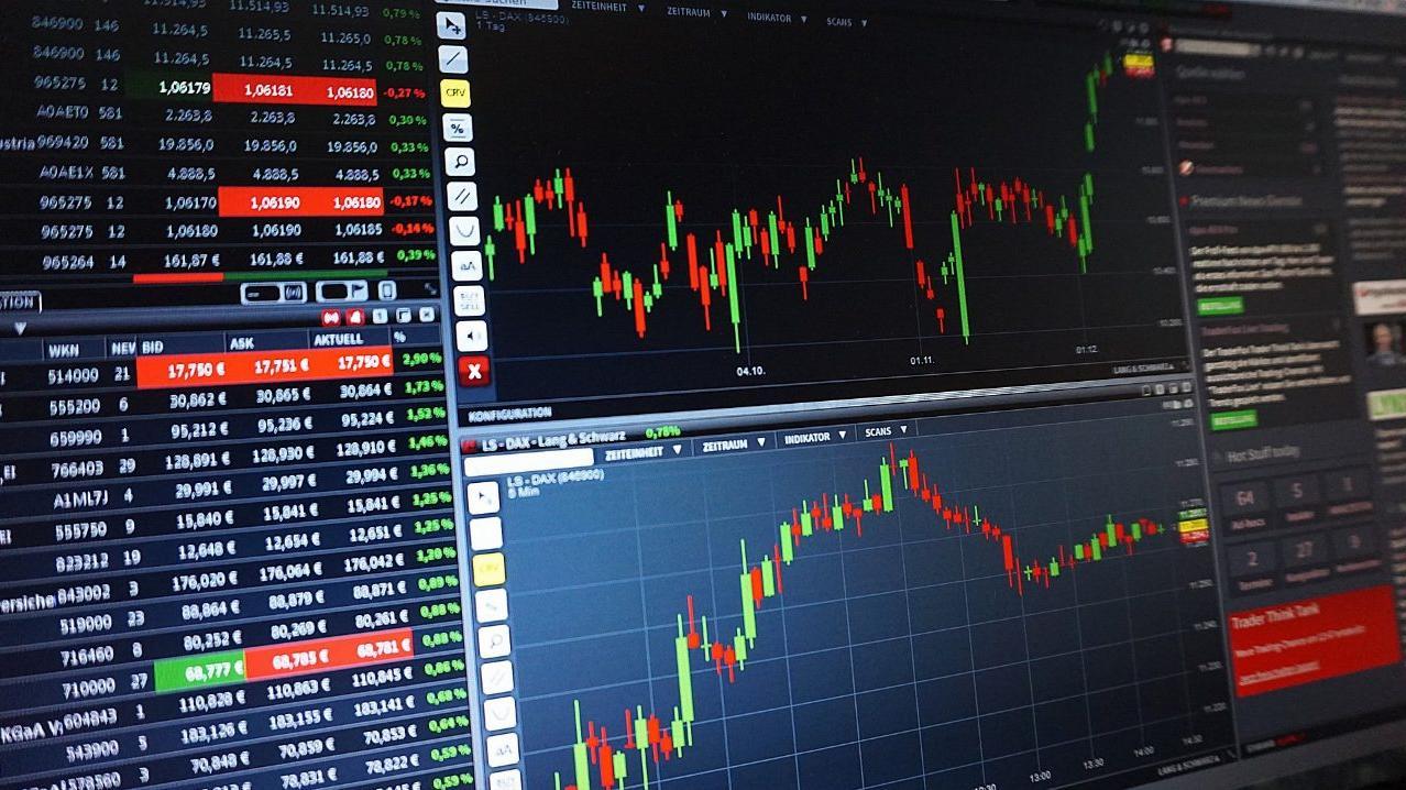 A股上涨4%直逼3250点,疯牛市场来了!继续定投还是止盈?