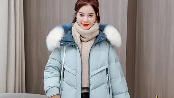 基础款冬季穿搭不能马虎,羽绒服、毛呢大衣搭配也要有方法