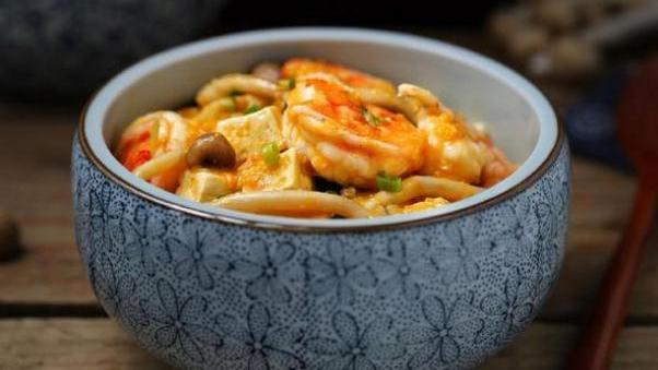 味道好又营养的炖虾仁,在家就可以做,还可以帮助孕后妈妈通乳