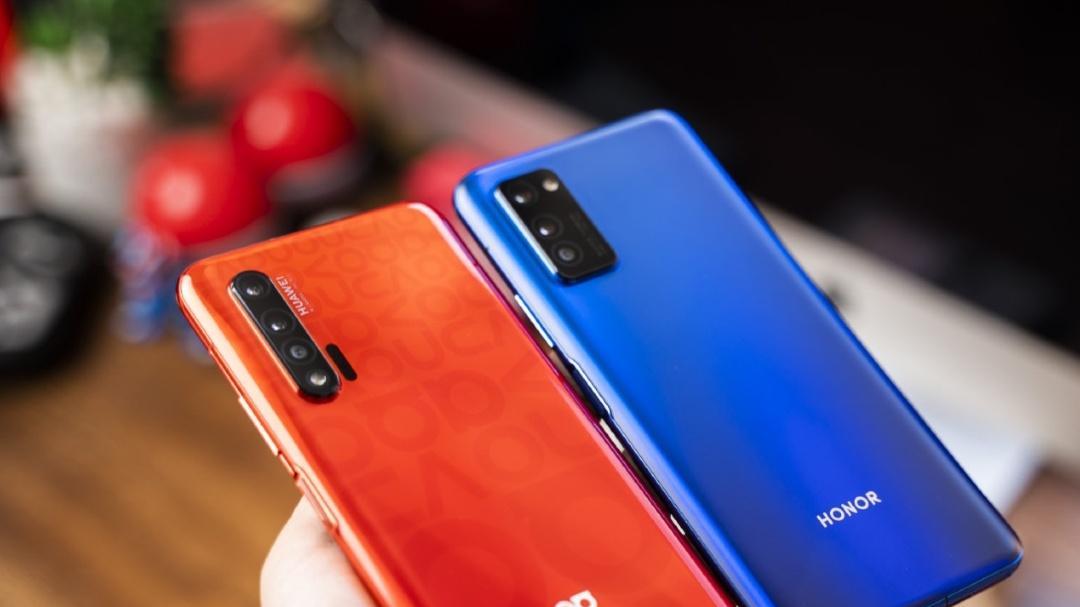 """华为荣耀""""相残"""",华为Nova6 5G被降850比荣耀V30更值得买"""