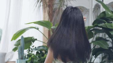 """天猫对""""枯草""""女孩下手!水离子护发+6级风量,价格仅松下一半"""