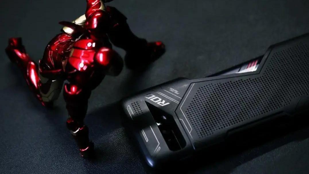 ROG游戏手机3评测 极致性能与操作手感的完美融合