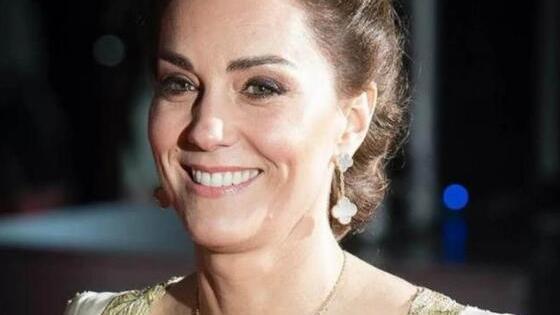凯特王妃穿上8年前礼服,高调秀出事业线,容貌身材几乎没变化