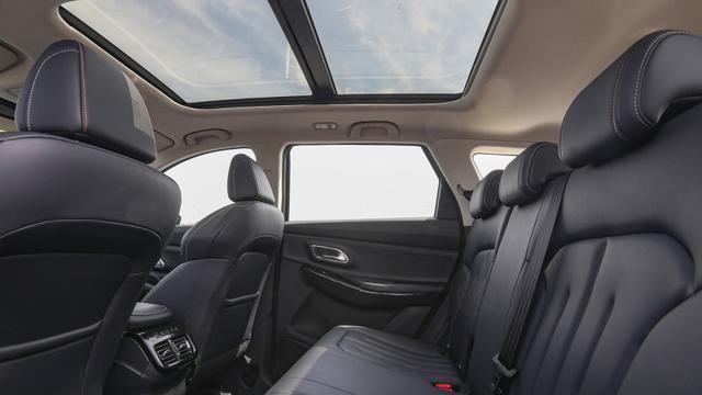 """汽车界的""""小米""""诞生!空间大、配置高、动力强,卖得就是性价比"""