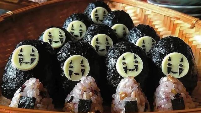"""日本妈妈""""创意便当""""走红,光鸡蛋就180种图案,这脑洞我服了"""
