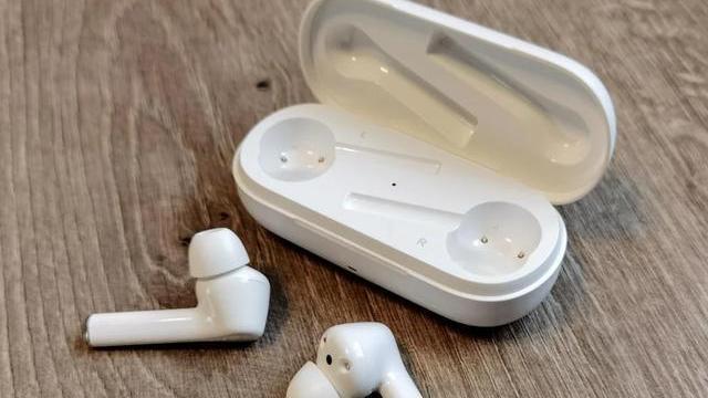 围观!华为FreeBuds悦享版耳机评测:千元AirPods的音质,中端价