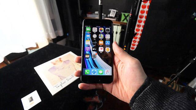 跌至2689,还有A13+小屏+单摄,iPhoneSE能否再起波澜?