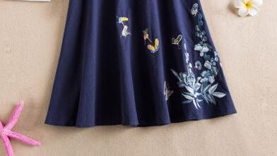 亚麻半身裙如何搭配显得更加风姿卓越?