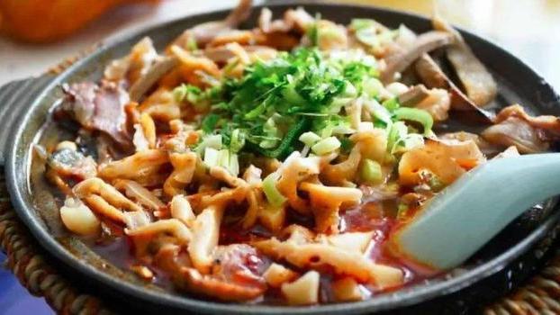 山西临汾独具特色的两个传统美食,当地人爱吃,外地人想吃吃不到