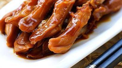 土豆茄子、酱香茶树菇、泡椒炒香干的做法