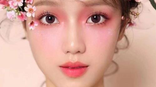 美容秘籍分享之11个化妆小技巧,遮瑕膏使用秘诀