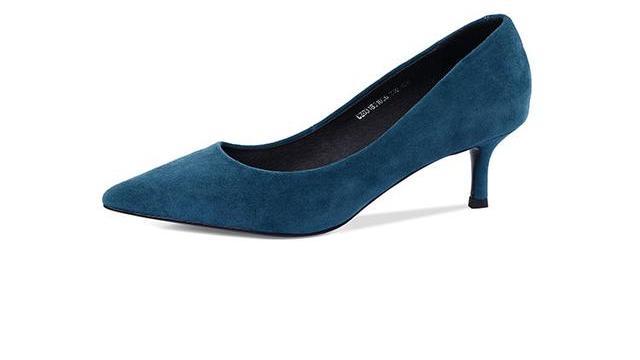 起丽女鞋教你解决单鞋出汗后不跟脚