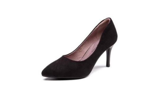 女鞋新王诞生:在倒闭潮中逆袭!每双不过100元,年销售达50亿