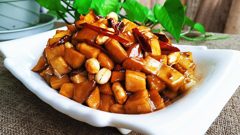 小猫用杏鲍菇这么做,成本不到5元,还能吃出肉香,孩子点名的菜