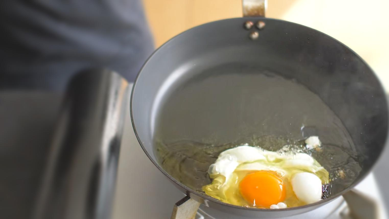 《菲姐早餐讲解课》:番茄炸蛋面,要等鸡蛋在锅中逐渐定型
