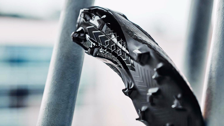 "New Balance发布""Rise & Reign""足球鞋套装"