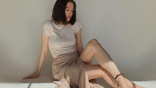 将牛仔裤抛到脑后!这6款气质半截裙才是潮流女生的春夏必备