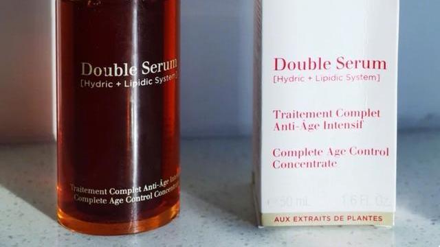 哪些精华液品牌能美白补水效果好?高口碑的美白抗衰老精华液推荐