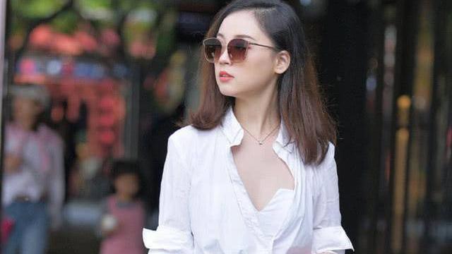 除了小黑裙,也只有白衬衫能不分年代,从小到老演绎着不老的神话