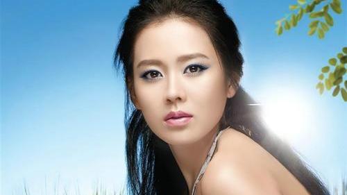 2020全球百大最美女性评选孙艺珍夺冠,年近40岁的她美丽动人