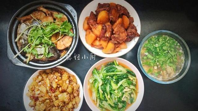 小学生的家常午餐,2荤2素1汤,花费不到40元,自己做真实惠