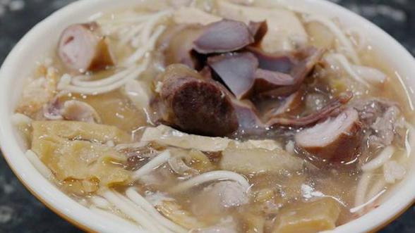 福建漳州卤面,浇头丰富,口味丰满,与陕北不一样的面食,好吃
