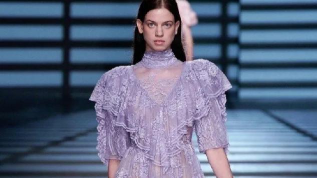 自带仙气的穿搭,其实不只有T恤短裤,还有美美的仙女裙
