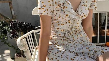 适合小个子的女生夏季穿搭 2020最受欢迎两款裙子显气质