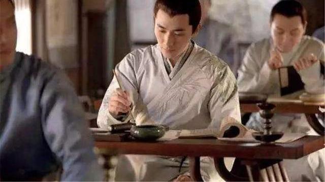 科举制度起源于隋唐,为何朱元璋当皇帝时,却被废止长达十年之久