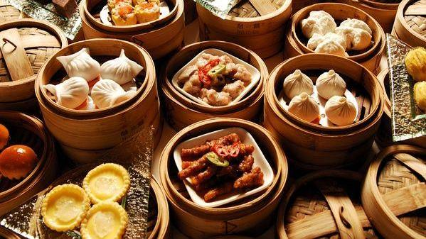 第一次去广式茶楼吃早点,手推车早餐点到爽,吃完结账我蒙圈了