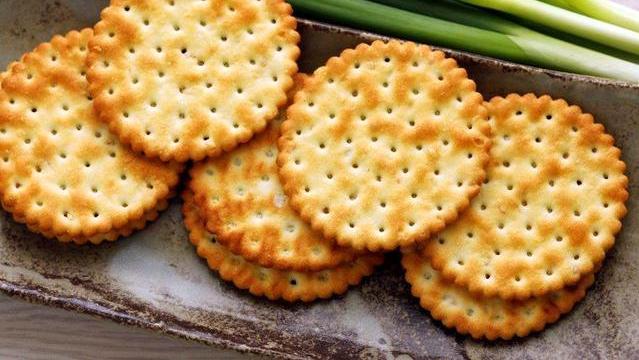 原来做饼干如此简单,不用烤箱,不用油炸,配方告诉你,又酥又脆