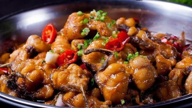 美食推荐:豆乳烧鸡翅,风味小黄鱼,蒜泥芦笋,酱汁烧鲶鱼