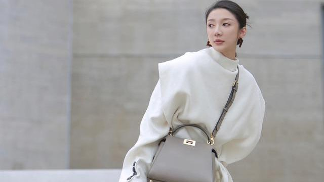 清冷大气的高级感穿搭,普通衣服也能穿出大牌的气场,快来学学吧
