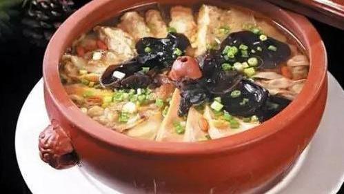 夏季美食推荐:苦瓜回锅肉,白菜炖五花肉,宫保素丁的家常做法