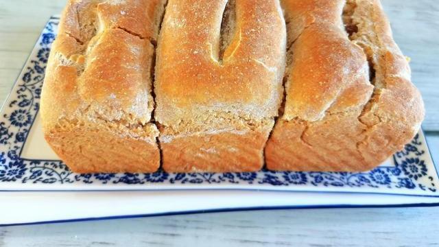 全麦吐司面包这样做,真正的全麦,无油无糖健康好吃,外面买不到