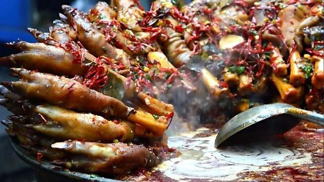 转发 微博 Qzone 微信 舌尖上的锦衣卫,酱牛肉、蒜香猪蹄配李渡酒,青龙吃得满屏都香