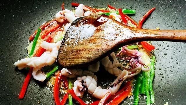 9月,遇到这海鲜我必买,20块钱一斤,鲜嫩肥美,上桌一会吃精光