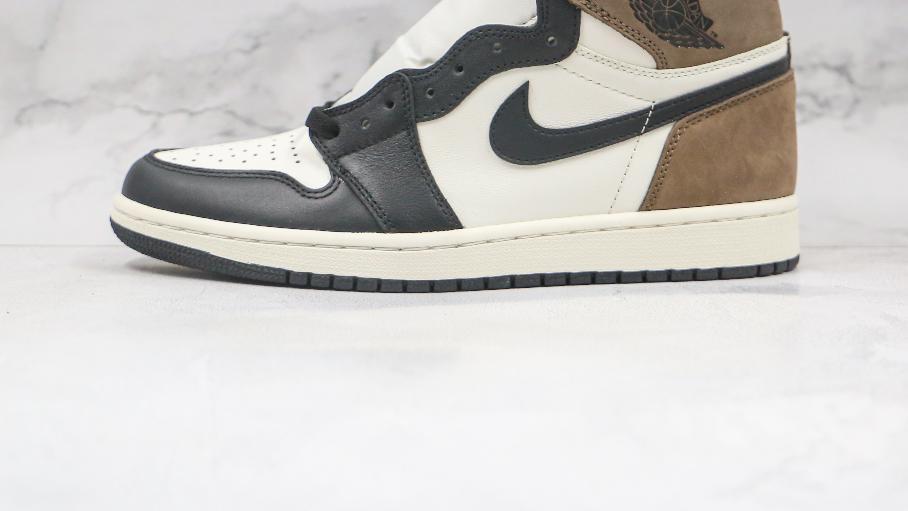乔丹高帮AJ1黑棕色小倒钩摩卡篮球鞋 Nike Wmns Jordan 1 High OG