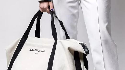 包包| 最能代表夏天清凉的帆布包,我们应该怎样选?