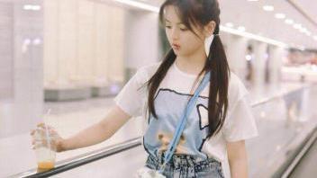 锦鲤小姐杨超越时尚穿搭,轻松演绎潮流风尚