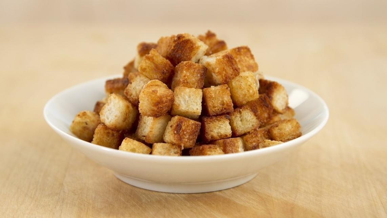 追剧美食好伴侣,新手零失误酥脆面包丁,牛奶香焦糖爆米花口味!