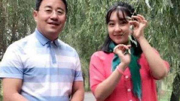 乡村爱情:王长贵和王香秀在现实中的关系,网友:嫁了一个爹?