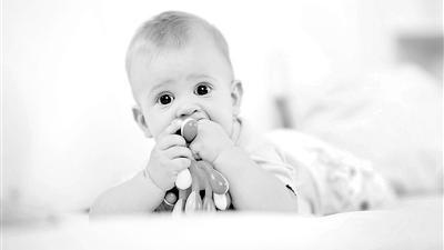 硬币、枣核 致命小物件被宝宝吞下肚你该怎么办?