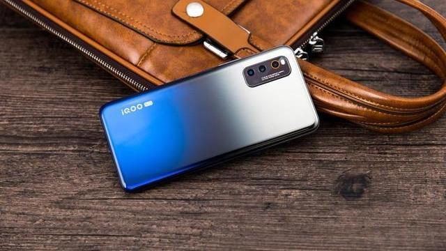 手机别乱买!目前最值得购买的3部超高性价比手机,懂行人的首选目标!