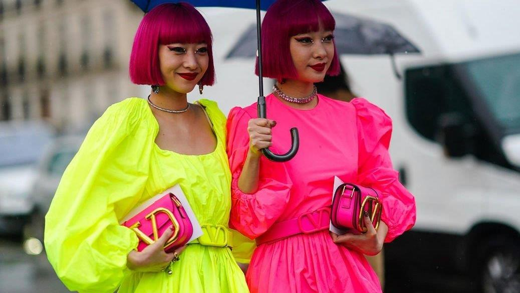 下雨一样要穿得时尚!从街拍达人学习16个雨天穿搭贴士