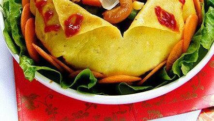 明目鲜蘑猪肝汤、健康什锦果蔬、西芹炝腐竹的做法