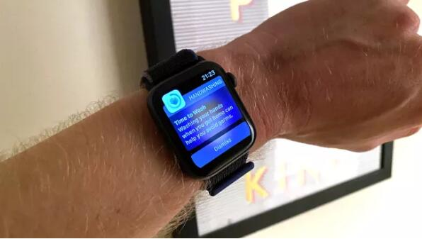 苹果新款Apple Watch SE评测,毫无疑问,它是目前最值的智能手表