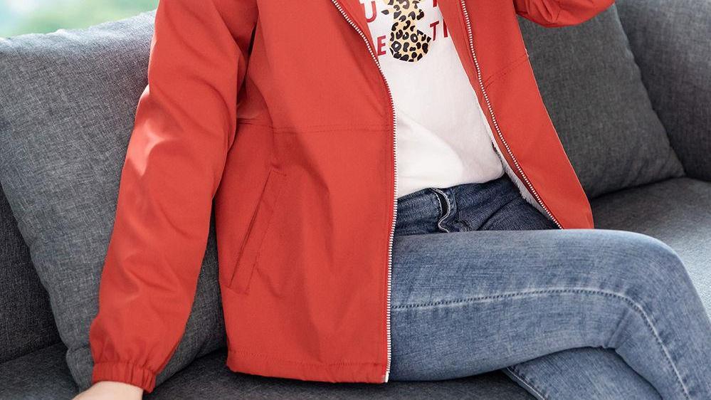 """""""秋冬外套"""",终于出新款了,一件比一件美,了穿还不贵,适合70后"""