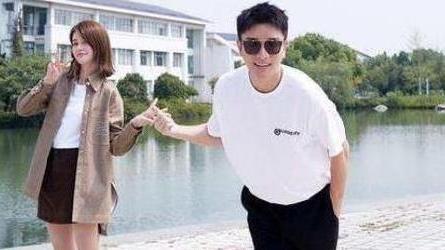 贾乃亮曝光新恋情,女友竟是我们都熟悉的她,网友:看来复婚无望了!