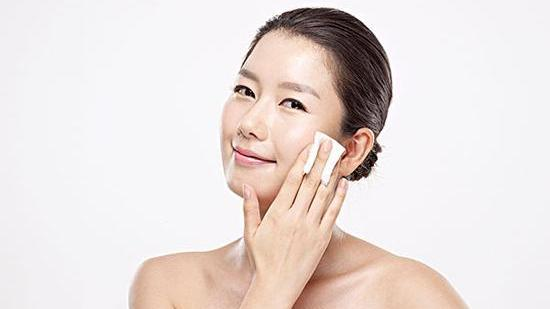 皮肤为什么越补水越油 盘点控油爽肤水排行榜